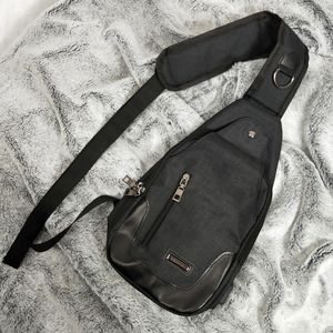 Crossbody bag multi compartment grey